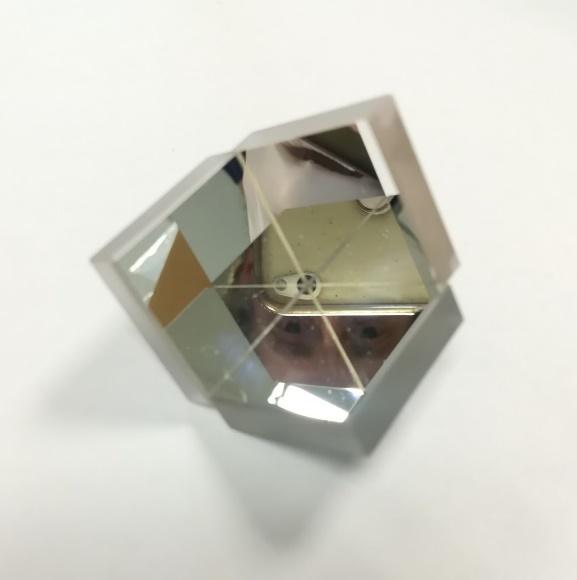 Figure 3 : premier coin de cube fabriqué au CSU Côte d'Azur